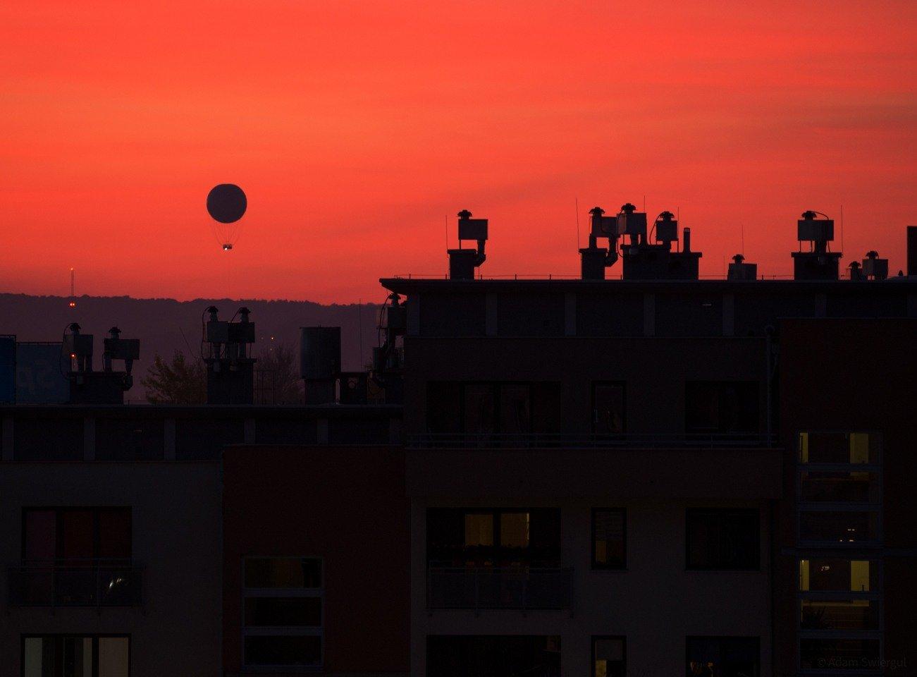Balon na czerwonym