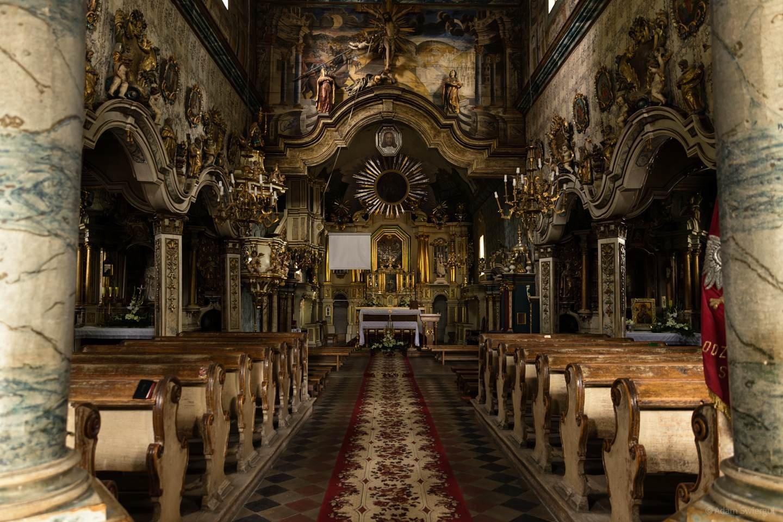 Drewniany kościół w Szalowej