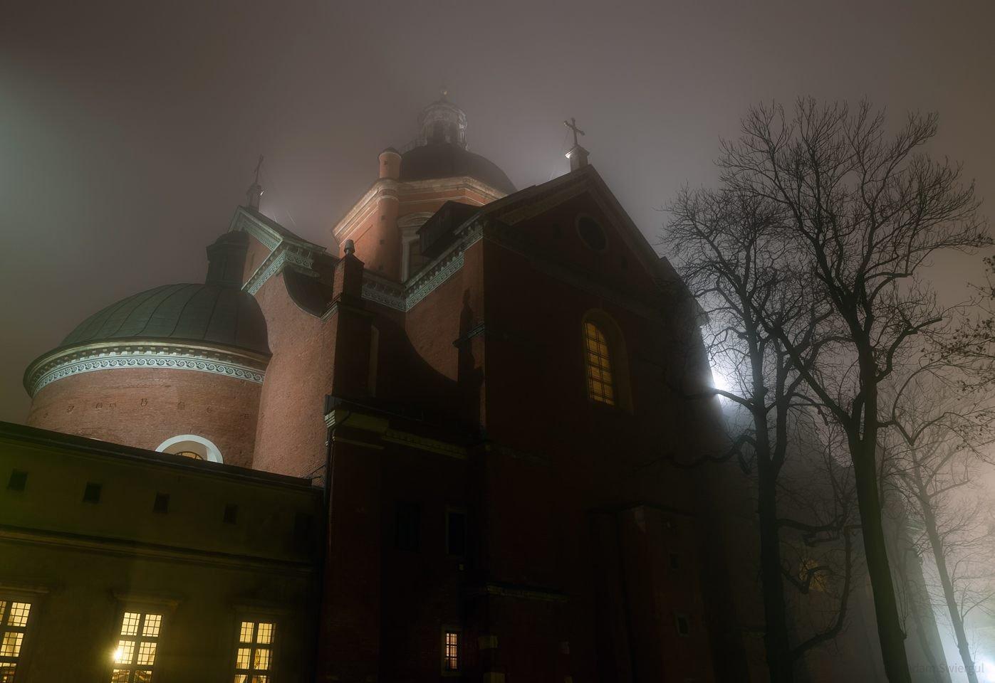 św. Piotra i Pawła we mgle, Kraków