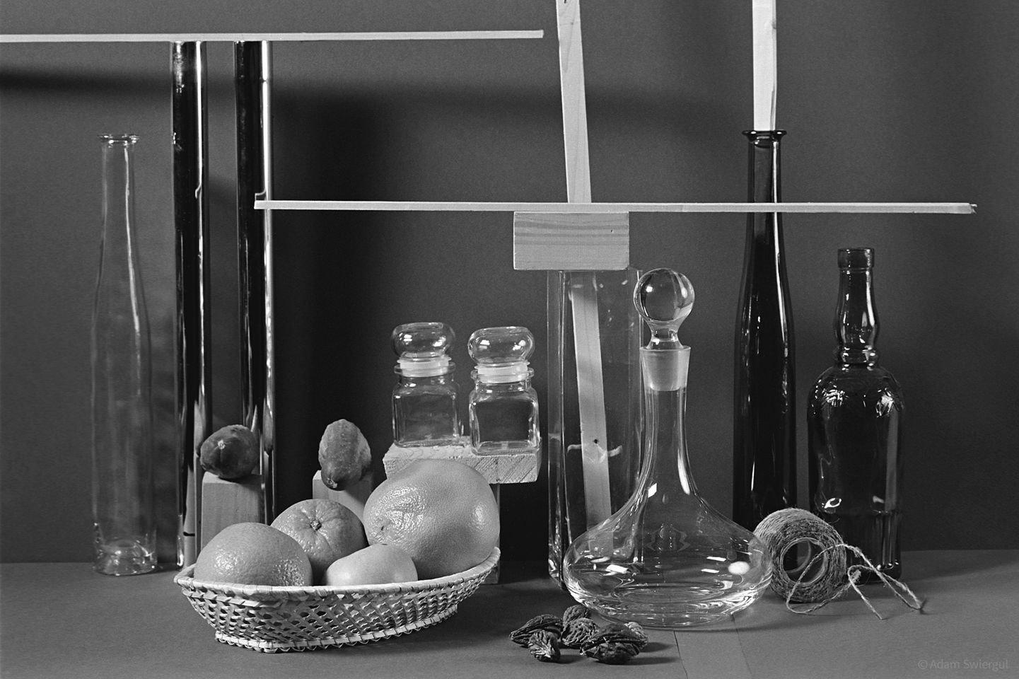 Szkło, owoce, listewki