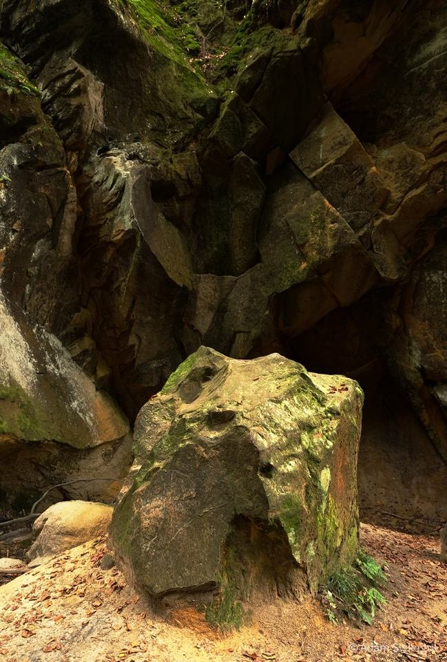 Skały - Wąwóz Czarownic