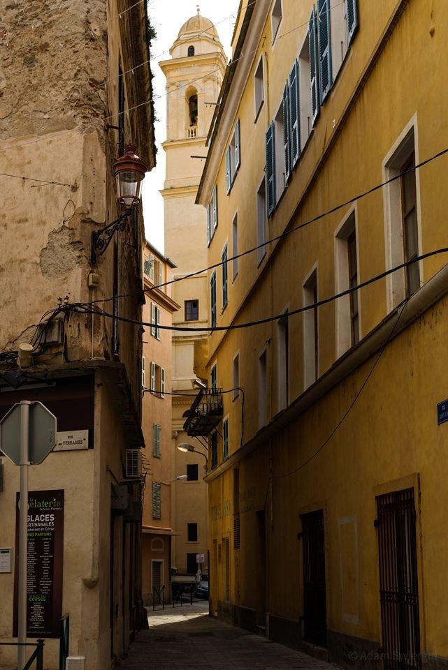 Widok na wieżę kościoła, Bastia