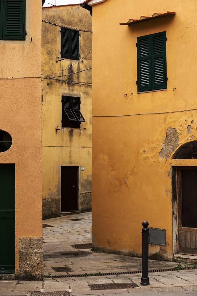 Żółte domy, Marciana Marina